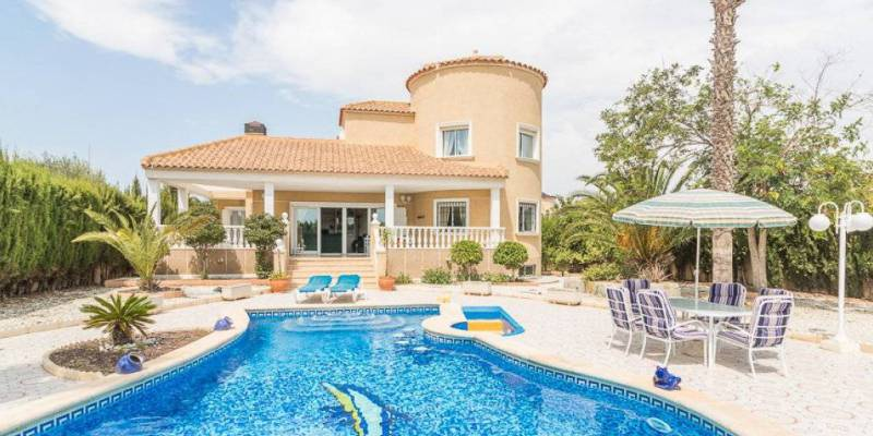 Are you looking for homes for sale in Orihuela Costa?