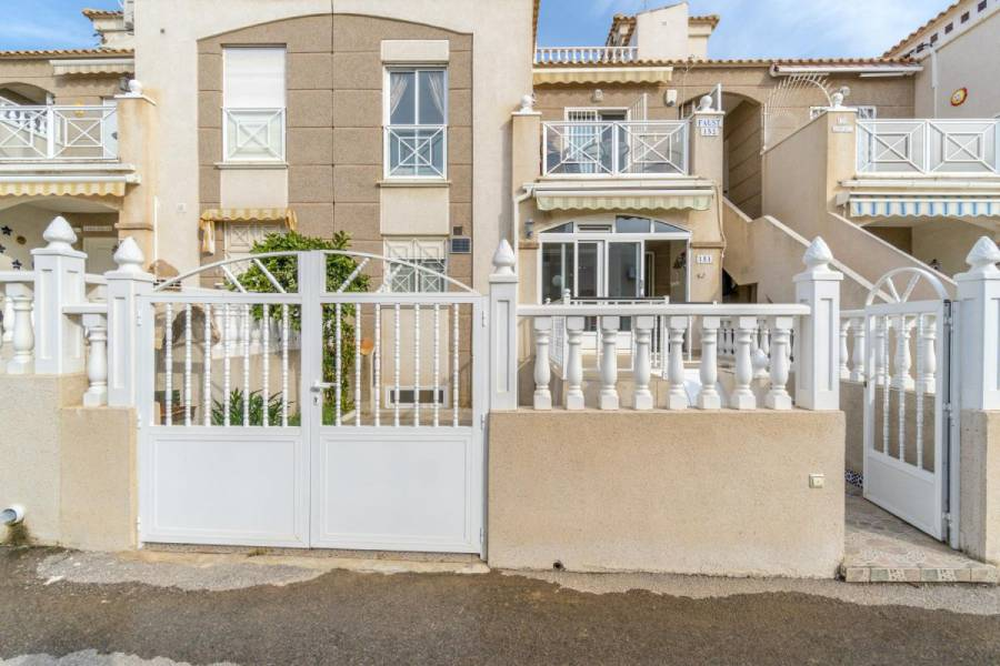 Sale - Ground floor - Aguas nuevas 1 - Torrevieja