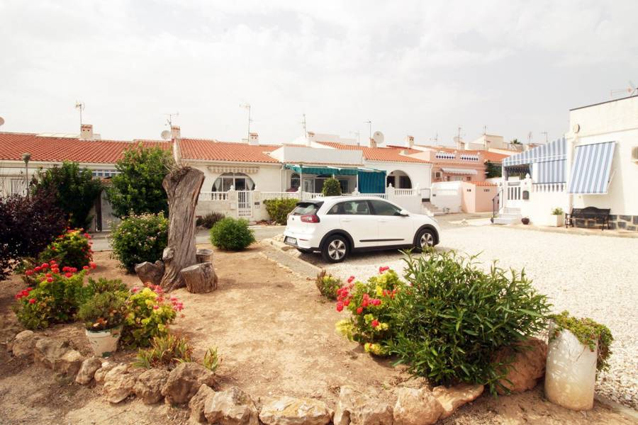 Sale - Ground floor - San luis - Torrevieja