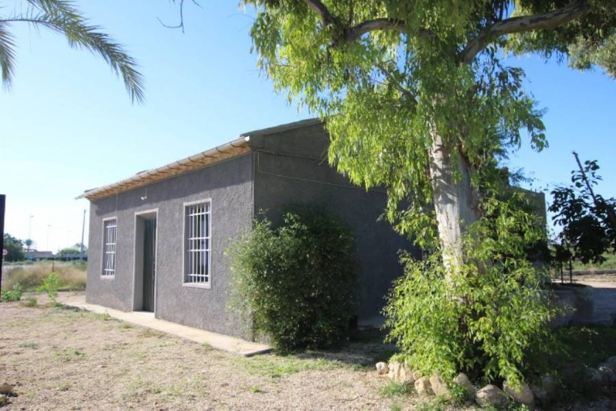 Sale - House with land - CAMPO - Crevillent